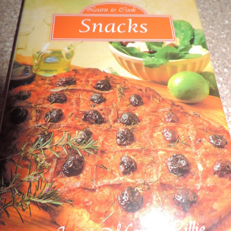 Learn To Cook Snacks Book
