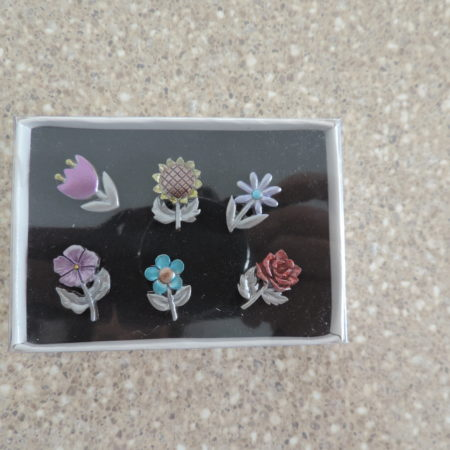 Multi-Color Flower Push Pins NEW