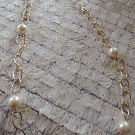 20″ Strand Of  Large White Pearls With Gold Chain