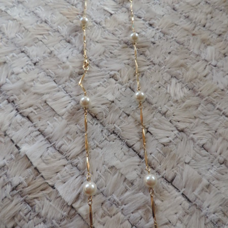 20″  Strand  White Pearls With Gold Pieces In-between