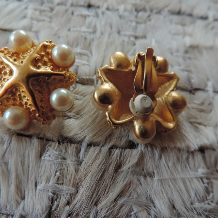 Richelieu Clip Gold Starfish Earrings With Pearls