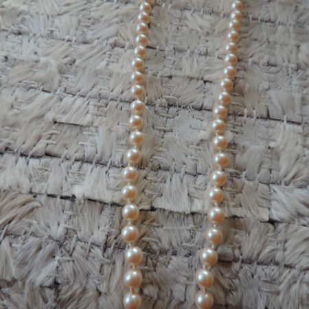 18″ Strand Of Cream Pearls Silver Fish Hook Closure