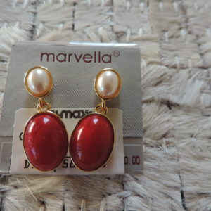 Marvella Piereced Earrings Pearl And Burgundy Faux Stone Set In Gold Tone NEW