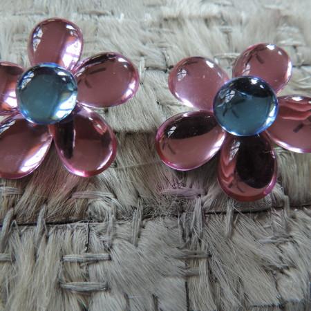 """Clip Pink Flower Earrings """"80's"""" Vintage"""