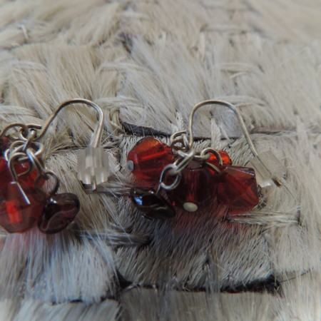 Pierced Earrings Small — Multi Stones & Beads > Red Colors