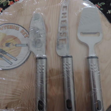 Cheese Cutting Circular Board W/ 3 Cheese Cutter Utensil  NEW