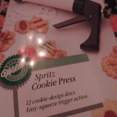 Wilton Spirtz Cookie Press NEW