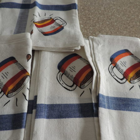 Cloth Napkins – Set Of 4 – White W/ Blue Stripe And Coffee Mugs On Them > NEW