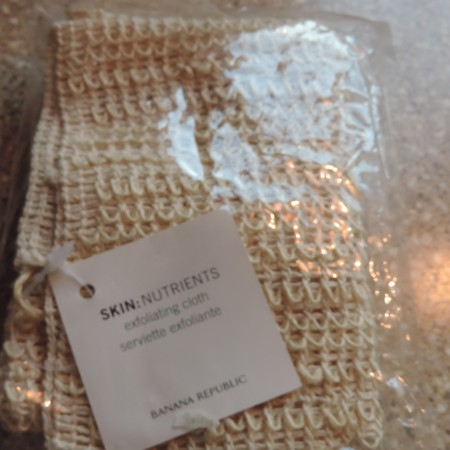 Exfoliating Cloth – Banana Republic  > NEW