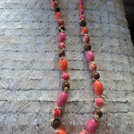 32″ Pink/orange/brown Wood Bead Necklace With Rafia In-between NEW