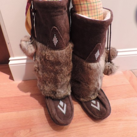 Mukluk Choc. Brown Suede, Rabbit Fur, Shearling Lined Boots Size 10 NEW
