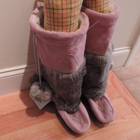 Mukluk Pink Suede, Rabbit Fur, Shearling Lined Boots Size 10 NEW