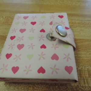 Photo Album Mini  Hearts — Holds 3 Photos And Snaps Shut NEW