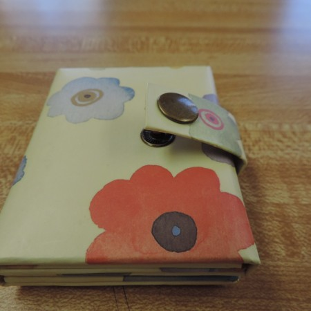 Photo Album Mini Floral — Holds 3 Photos And Snaps Shut NEW