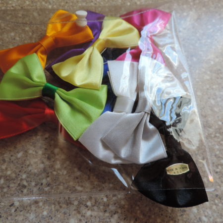 Bows – Multi- Color Pkg Of 10 Pin Back NEW