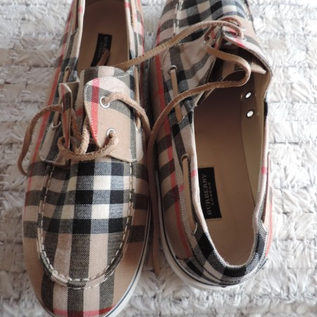 Burberry Boat Shoes Size 9 1/2  NWT