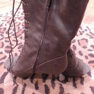 Booties – Choc. Brown, Lace Up, 4″ Heel, 1″ Platform Size 9 NEW