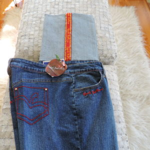 Apple Bottoms Jeans W/ Red & Gold Stripe Cuff Legs Turned Up & Apple Outline On Back Pockets Size 14 NEW
