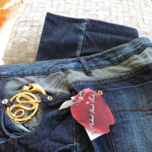 Apple Bottoms Jeans W/ Cut Out Gold Snake  On Pocket Edge Pocket Size 13/14  NEW