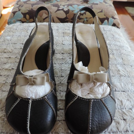 John Fluevog Leather Black Shoes With Cream Bows Size 10