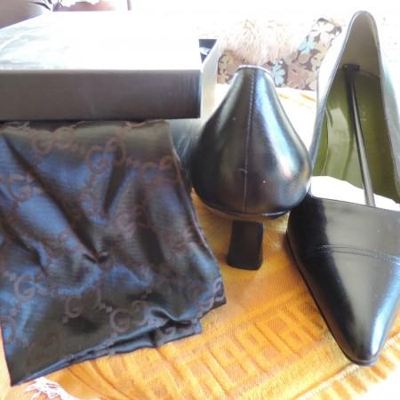 Gucci Black Leather Pumps NWB/R & Storage Bag Size 9 1/2