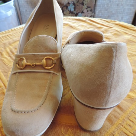 Gucci Cream Suede Loafer NEW Size 10 AA