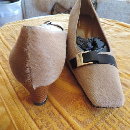 Gucci Beige Horsehair Pumps Size 9 NEW